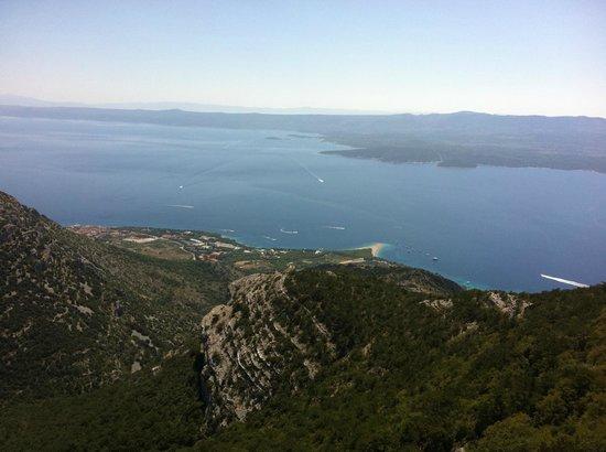 Bluesun Hotel Elaphusa : Mountain top view
