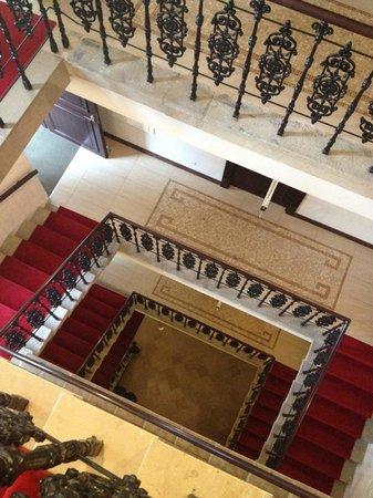 ホテル ユニカス, 階段風景