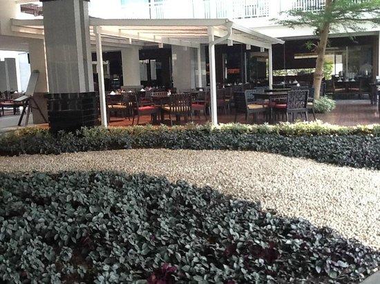 Kantary Hills, Chiang Mai: vue de la salle des petits dejeuners et du resto