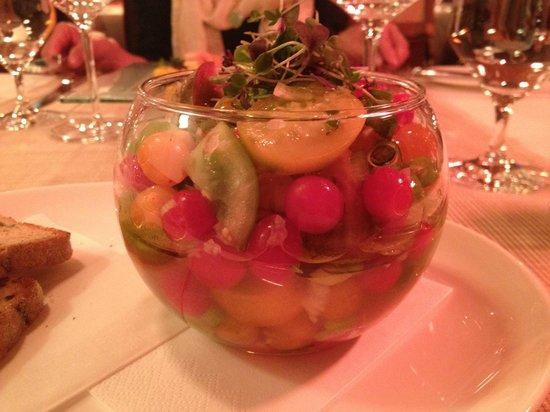 جولدن وول (يو زليت ستودن): レストランでの料理