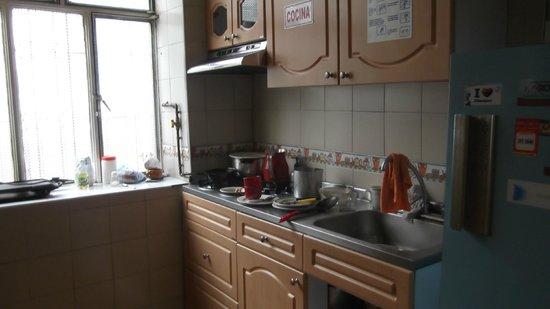 Tip Top Hostel: Kitchen