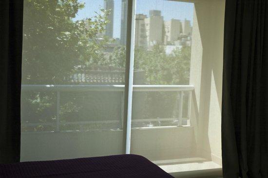 Heart of Soho Aparthotel: Balcón Suite A
