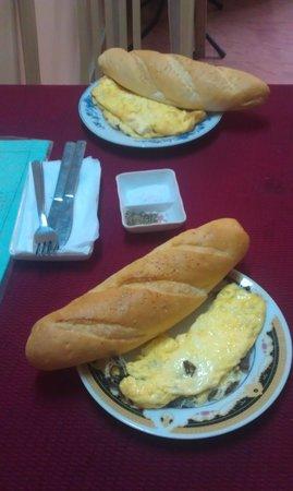 Phong Nha Hotel: Breakfast