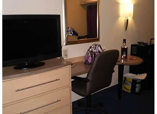 Red Roof Inn Knoxville - University of Tennessee : nice furnishings