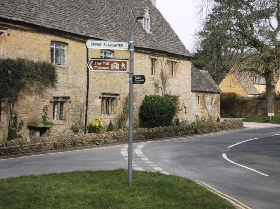 The Slaughters Country Inn: Road outside the hotel entrance leading to the Old Mill
