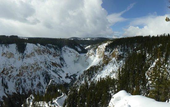 Old Faithful Snowmobile Tours - Day Tours: Landscape