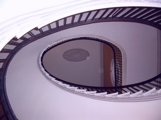 Nathaniel Russell House: magnificent elliptical staircase