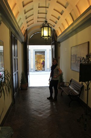 La Residenza: Walking out of hotel