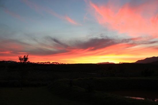 Marbrin Olive Farm: awesome sunsets on the farm