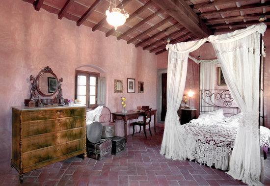 Villa Il Paradisino: Loggetta apartment romantic XIX century canopy bed