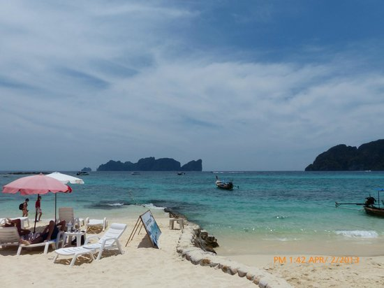 Phi Phi The Beach Resort: Beach
