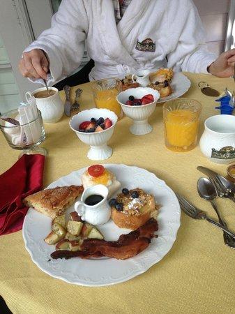 Port d'Hiver: breakfast!!!!