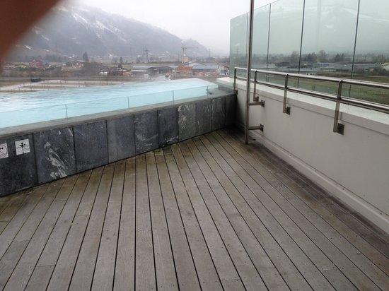 Tauern Spa Kaprun: Panorama Terrasse im Hotel Spa