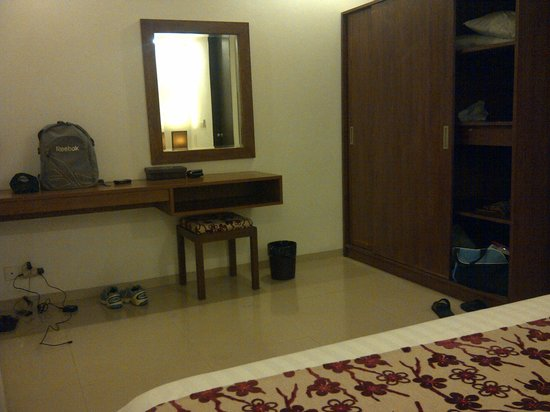 Seminyak Town House: enough space for our stuff