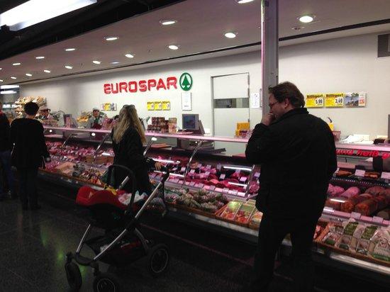 Kastner & Öhler - Paradeishof: Great meat and freshness