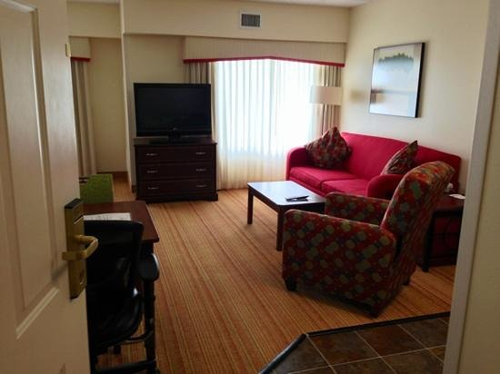 Residence Inn Fort Worth Alliance Airport: Living room of one-bedroom studio