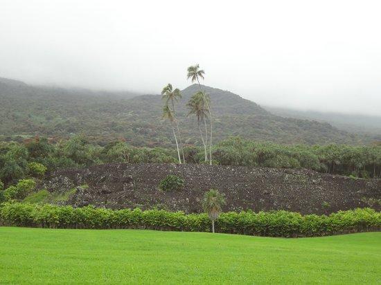 Kahanu Garden: Temple