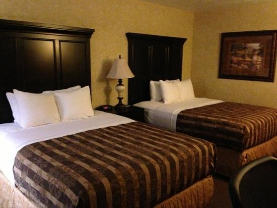 Abbey Inn & Suites: a 2-queen-bedroom