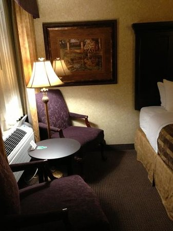 Abbey Inn: A 2-queen-bedroom