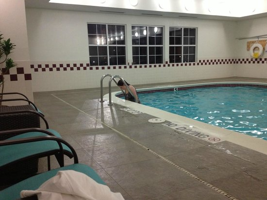 Residence Inn Sacramento Rancho Cordova: This is the indoor pool that was fixed.