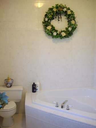 A La Gallarie Bed and Breakfast : Monet Ensuite