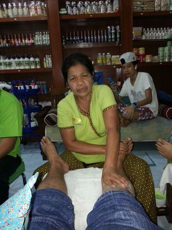 Noppharat Resort: Good massage auntie. RESPECT!