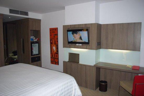 Hotel Novotel Jakarta Gajah Mada: modern minimalist style room