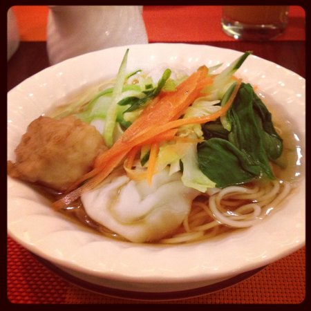 Kuntai Royal Hotel: breakfast noodle soup!