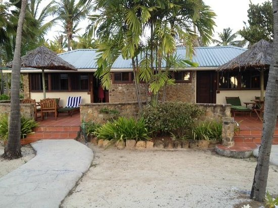 Palm Island Resort & Spa: Beachside cottage  All but 24/25 right on the water.