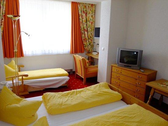 Hotel Arnika: camera da letto