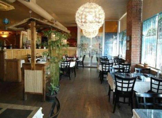 Saigon Thai: DINNING ROOM