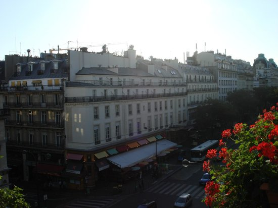TRYP Paris Opera Hotel: View from our room