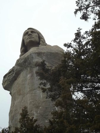 Patchwork Inn: Loredo Taft's Eternal Indian (aka Black Hawk Statue) at Lowden State Park across river from inn