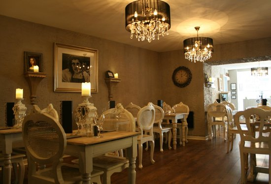 Cafe D'Amour: Restaurant Interior