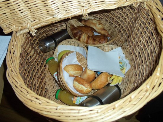 La Cahute Nichée : Panier petit déjeuner à isser en haut de la cabane