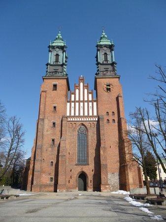 Katedra Poznańska Św. Piotra i Pawła: Worth a quick visit, but a bit dull