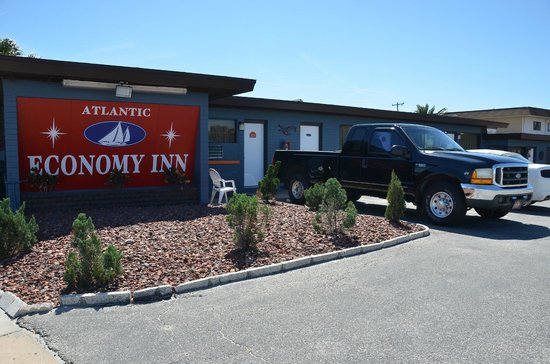 Atlantic Economy Inn : Buitenkant hotel