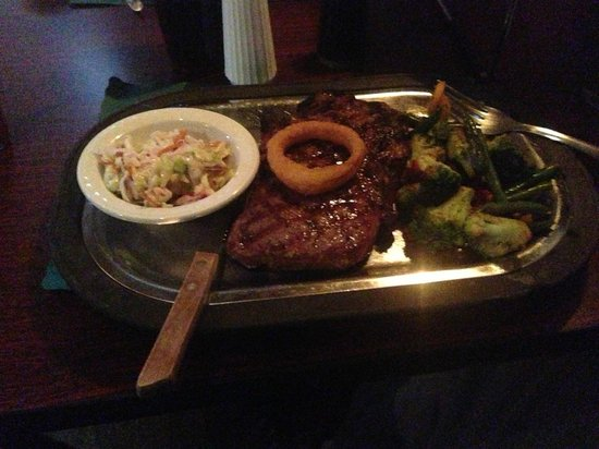 Silver Creek Steakhouse: Steak cooked a perfect pink!