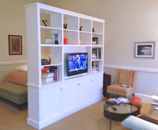 Grace Vanderbilt: Room with Divider