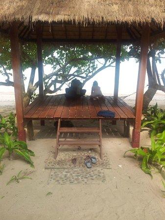 Baan Mai Beachfront Lone Island: prive hutje aan het strand