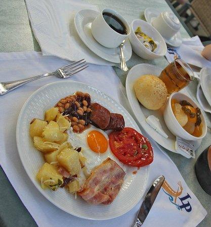 "Lindos Princess Beach Hotel: ""Завтрак туриста"""