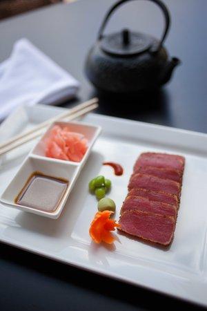 Little Hawaiian Seafood Grill & TIKI Lounge : Blacken Blue Sashimi