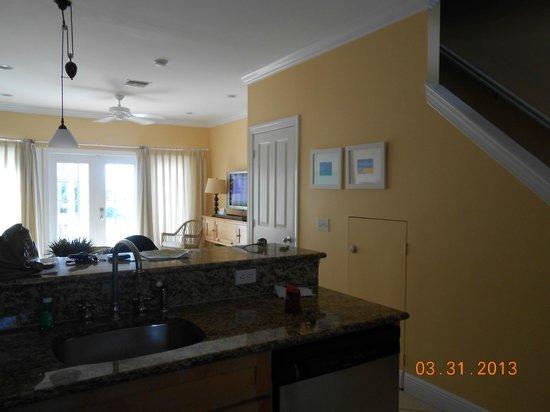 ترانكيليتي باي بيتش فونت هوتل آند ريزورت: View from the kitchen