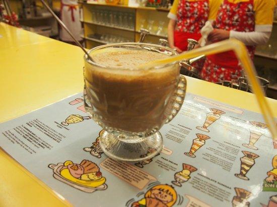 Harbour Bar: chocolate shake