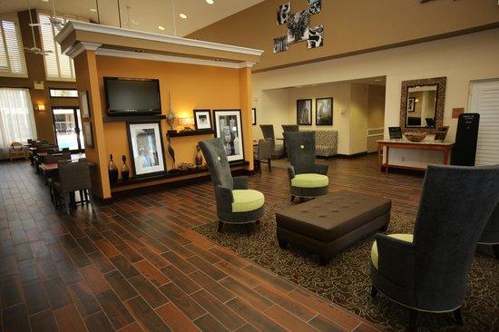 Hampton Inn & Suites Orlando/East UCF Area: Lobby