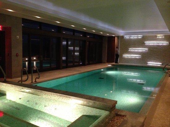 Primland: Gotta love the pool