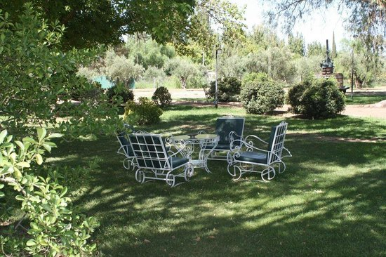 Villa Victoria Lodge: garden