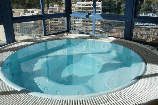 Dakterras Met Jacuzzi : Jacuzzi op het dakterras picture of hotel ms maestranza malaga