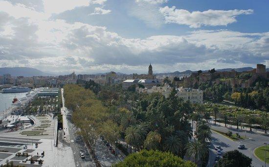 Nieuw jacuzzi op het dakterras - Picture of Hotel MS Maestranza, Malaga EM-37