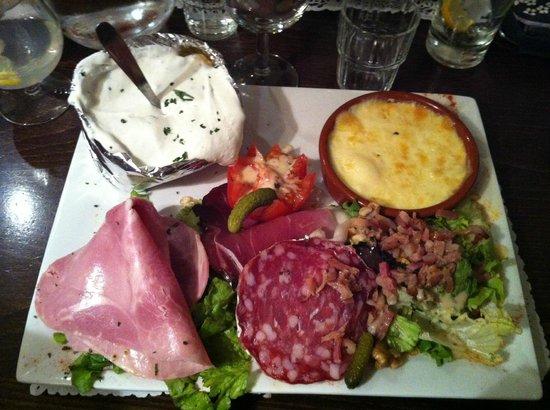 L 39 assiette raclette picture of le bouche a oreille for Le bouche a bouche